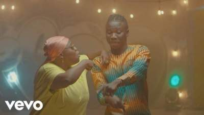 Video: Stonebwoy - Ololo (feat. Teni)