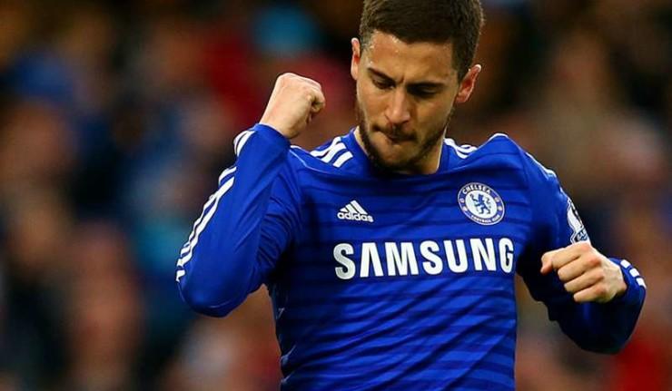 Eden Hazard Shows Off Skills Against Football Freestylers